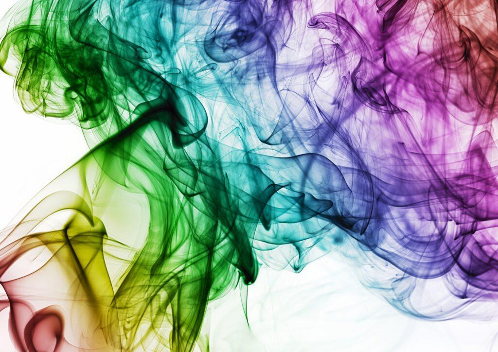 水の中で色々な色が混じり合っているような画像.alt